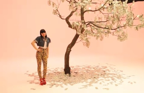 Jessie J animal print leggings ? indicative of the fact that she has become ...
