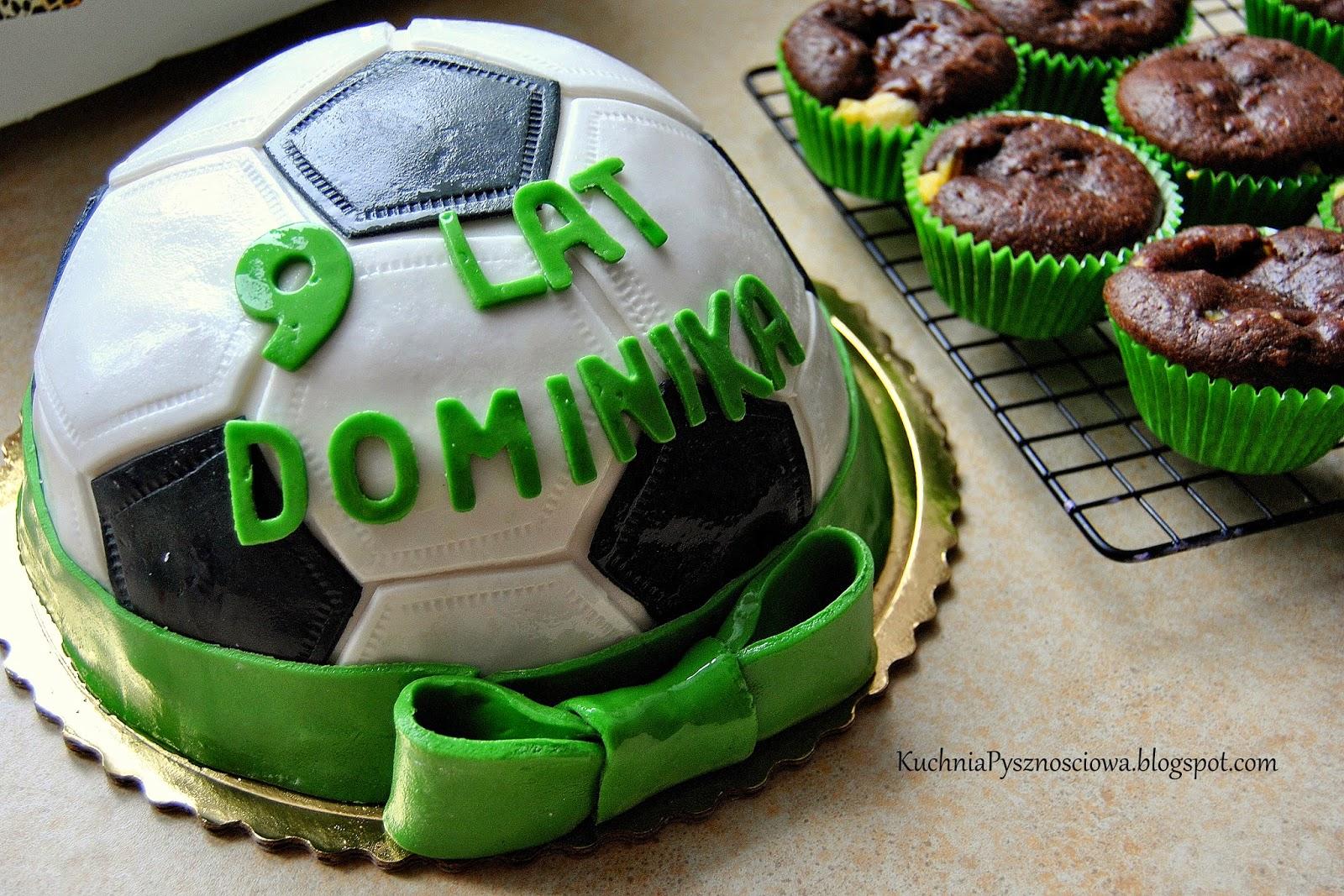 Krótka piłka...tort z piłką do nogi i cała góra muffinków