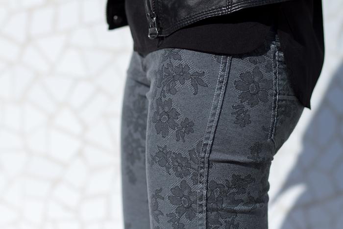 B-SIDE Grey Lace Print Jeans: EMMA G2902 by MELTIN' POT