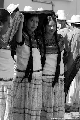 Mujeres en Guelaguetza Oaxaca