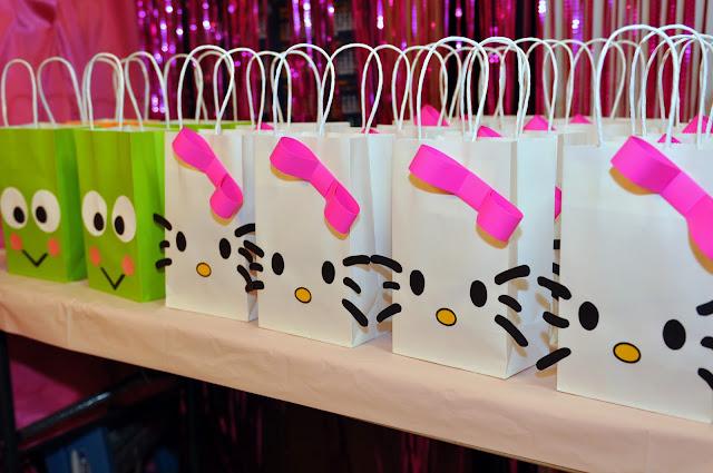 Hello Kitty y Keroppi: bellas bolsas para recuerdito, souvenir o ...
