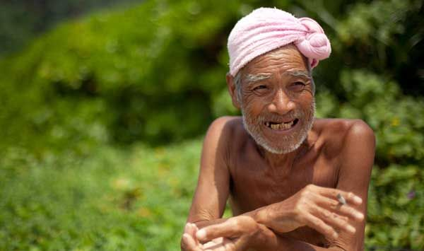 Kakek 76 Tahun Pilih Hidup Bugil [ www.BlogApaAja.com ]