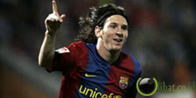 Lionel Messi (Barcelona) : 32,50 km /jam