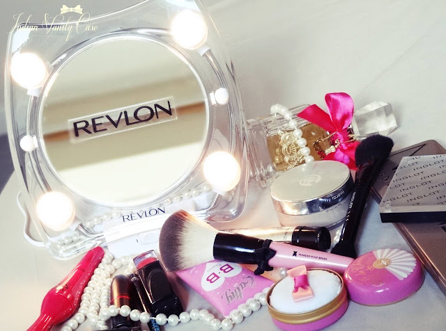 Indian Vanity Case: Revlon Hollywood Lighted Make-up Mirror ~ LOVE!