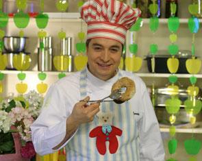 Oktay Usta ile Yeşil Elma 19 Mayıs 2011Onur Kırış Bölümü izle