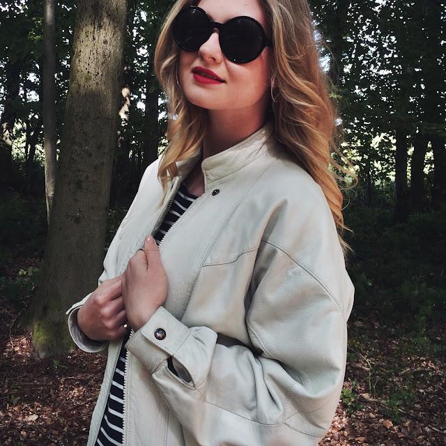 Vintage lookbook, vintage bloggers, FashionFake, how to wear vintage clothing, fashion bloggers