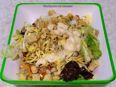 Salad Creations: Salada com ingredientes escolhidos pelo cliente