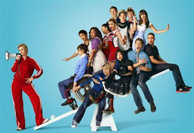 Glee - Santa Claus Is Coming To Town