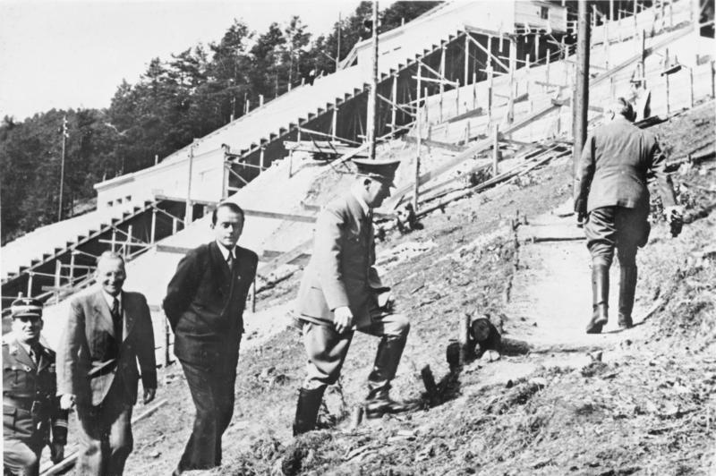 Hitler y Speer en la construcción del nuevo Deutsches Stadion