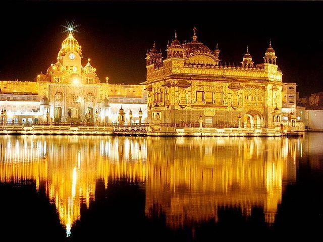 10 Amazing Tourist Places Photo In India