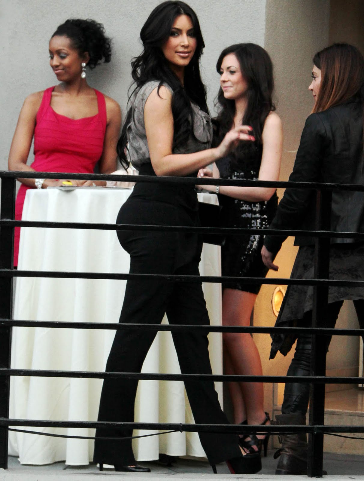 kim kardashian booty