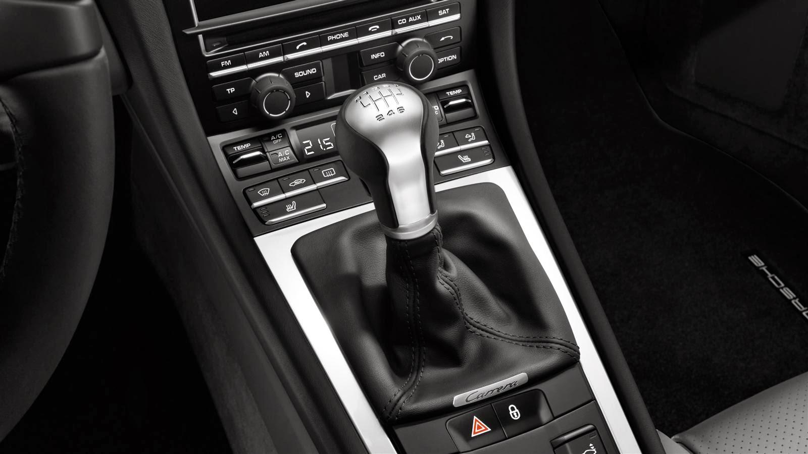 Porsche 911 Carrera Cabriolet Interior3