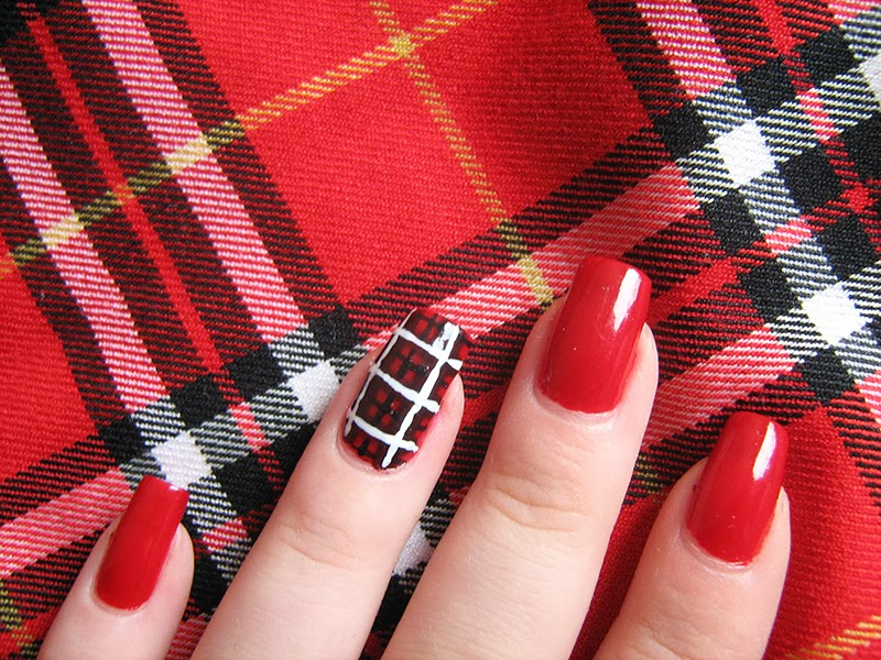 red plaid nails  Golden Rose with protein 287 Gabrini Multivitamin 374 Golden Rose Rich Color 29 Golden Rose with protein 242