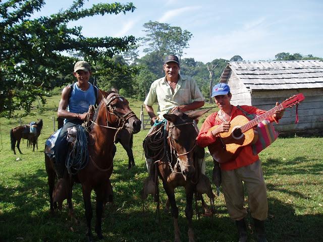 Catequistas a caballo en Nicaragua