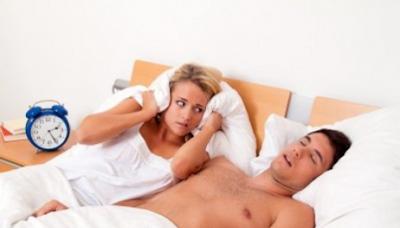 Por que algumas vezes falamos enquanto dormimos?