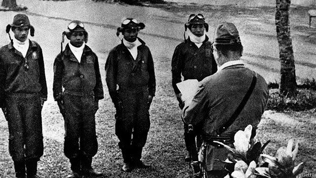 El testimonio de un piloto Kamikaze Kamikaze3_el+cajon+de+grisom