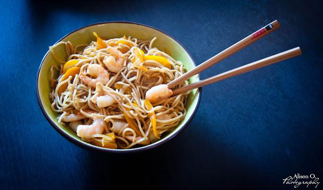 Recette Nouilles crevettes poivrons et oignons cuisine