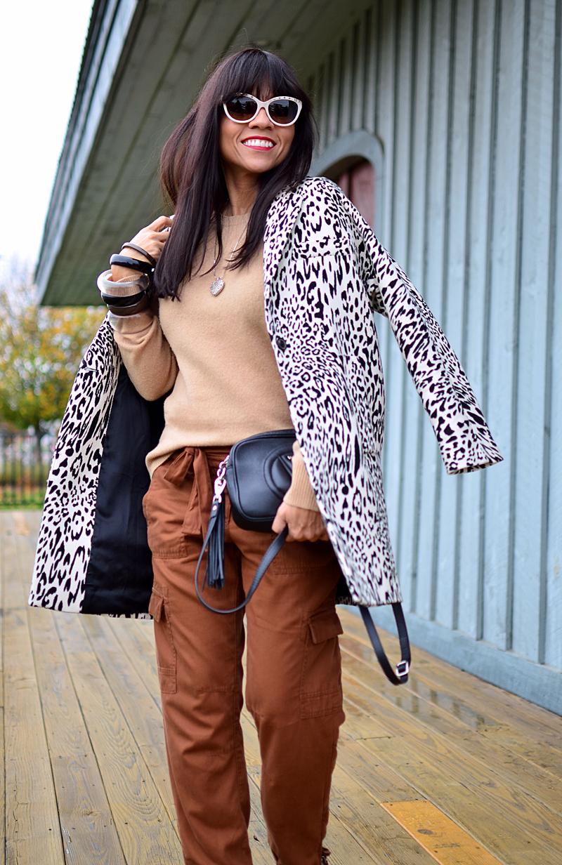Brown pants street style