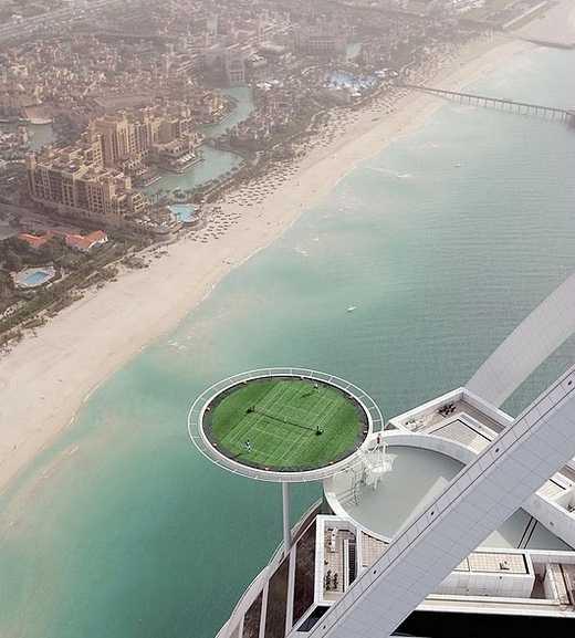 Share Good Stuffs World 39 S Highest Tennis Court At Burj Al