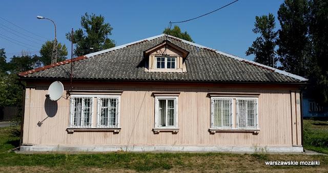 Warszawa Bemowo Jelonki drewniane domy osiedle studenckie budowniczowie pałacu kultury miasteczko studenckie drewniaki Konarskiego