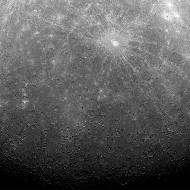 NASA's Messenger probe snaps 1st image of Mercury from orbit