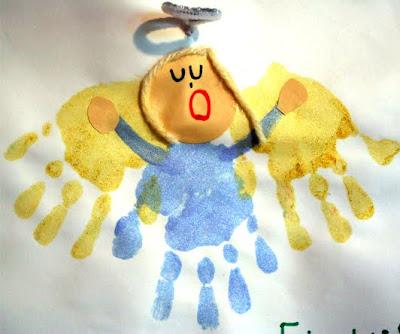atividade de natal com moldes e carimbo das mãos