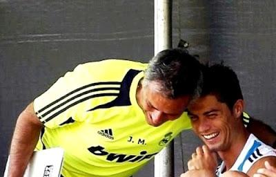 Mourinho and Cristiano Ronaldo during a workout