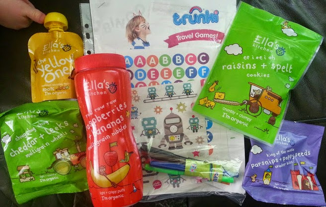 A picnic with a range of  Ella's Kitchen snacks review