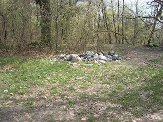 мусор жуков остров киев
