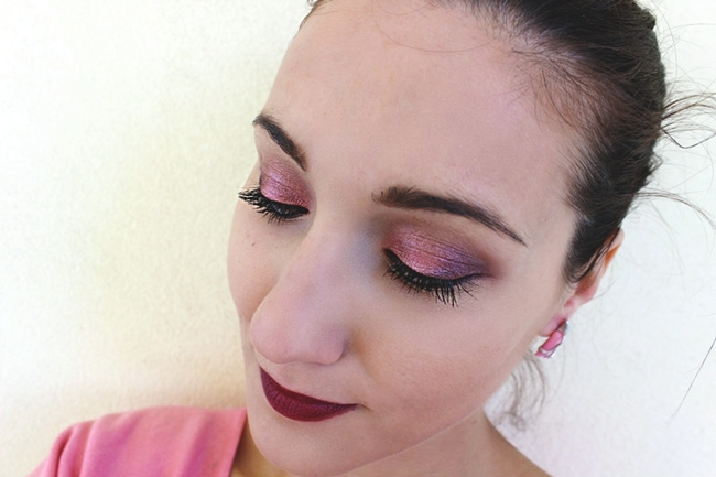 Warm SHIMMER Eyes, Dark MATTE Lips (makeup tutorial).Tople svetlucave oci, taman mat karmin.Sminkanje tutorijal.Makeup tutorial by Jelena Zivanovic.Fashion Fair Forever matte lipstick in Forever raisin.Manhattan Intense effect eyeshadow in Peach Party.