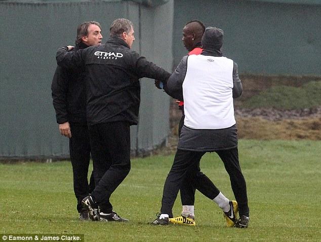 ¡Balotelli y Mancini se fueron a los Golpes!