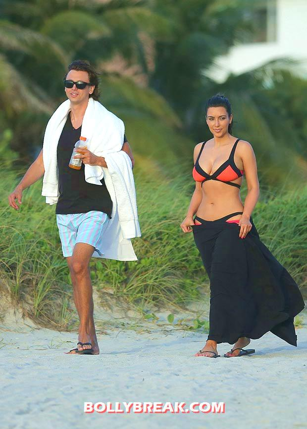 Kim Kardashian Miami Beach bikini Pic - (2) - Kim Kardashian Miami Beach bikini Pics - August 2012