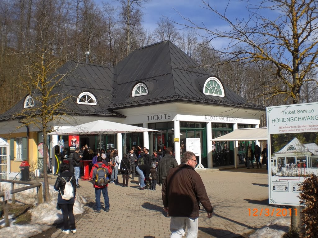 Ticket Center From outside Neuschwanstein