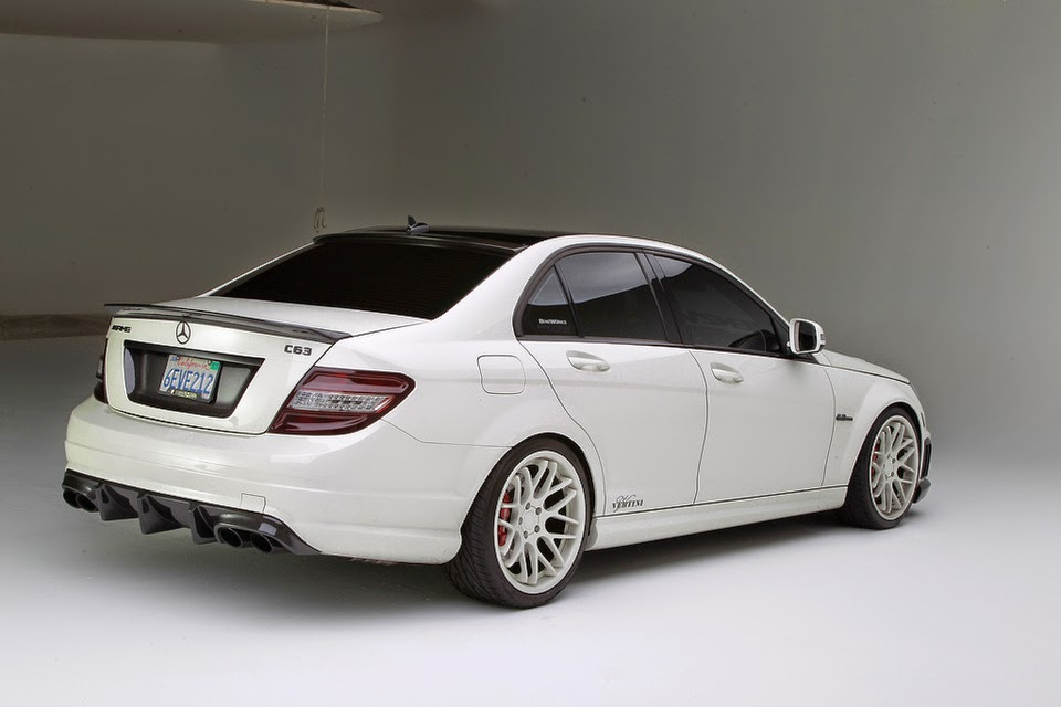 Mercedes benz w204 c63 amg on vertini concave magic for Mercedes benz customized