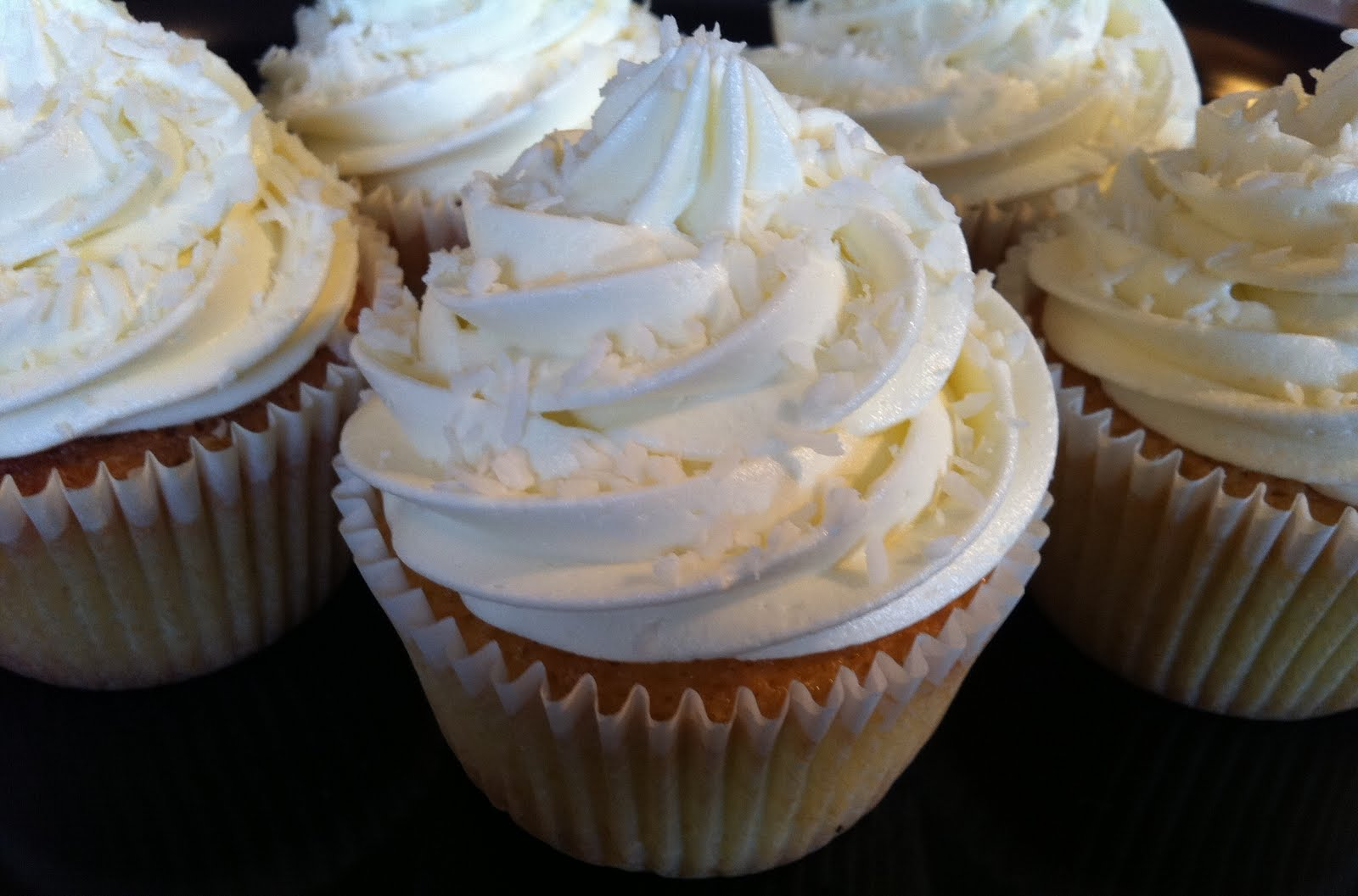 Sweetharts Cakes and Bakes: Coconut lime cupcakes