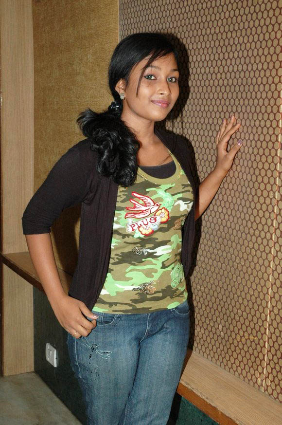 Hot Actress Swathi Pictures