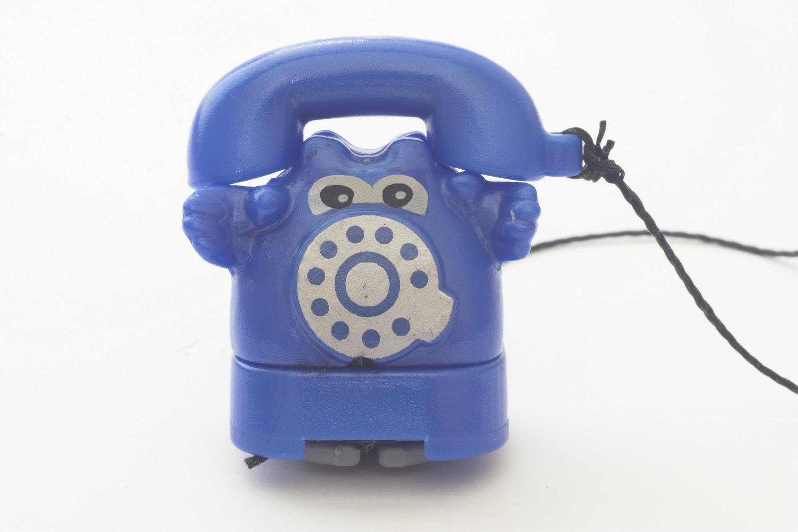 http://3.bp.blogspot.com/-BwAzy_aU0co/TZF-htM03CI/AAAAAAAAAOE/d74Soshb_lg/s1600/blue+phone.jpg