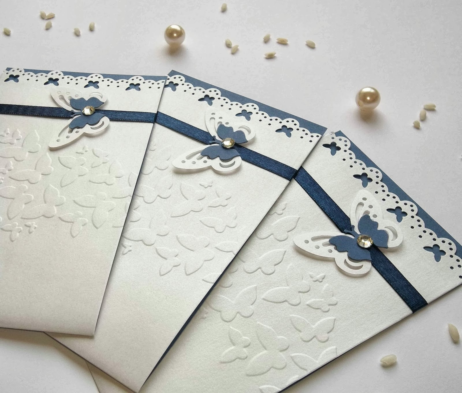 Matrimonio Tema Bianco E Blu : Sara crea matrimonio in blu partecipazioni eleganti