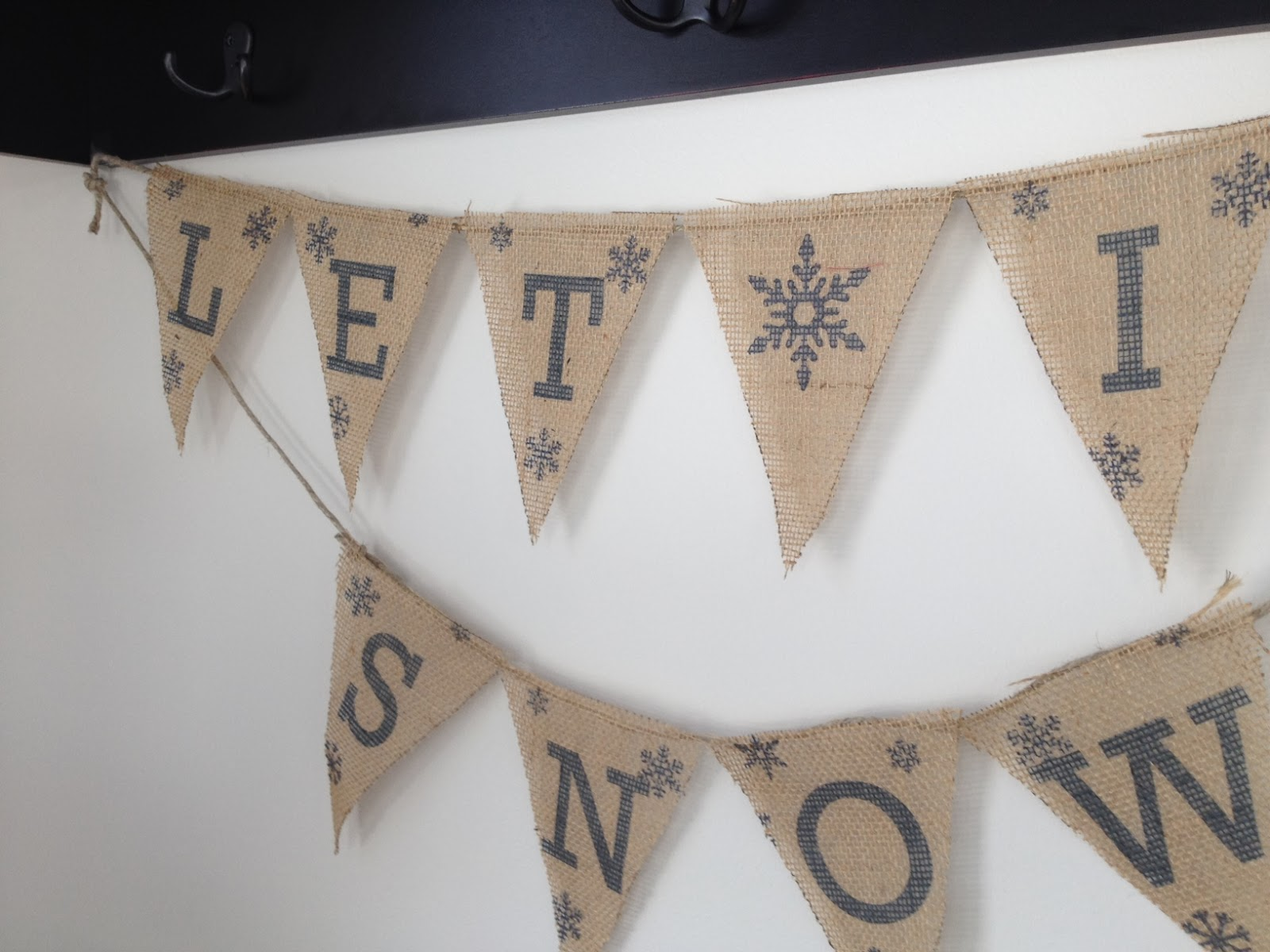 Two It Yourself Diy Let It Snow Burlap Banner Free Printables