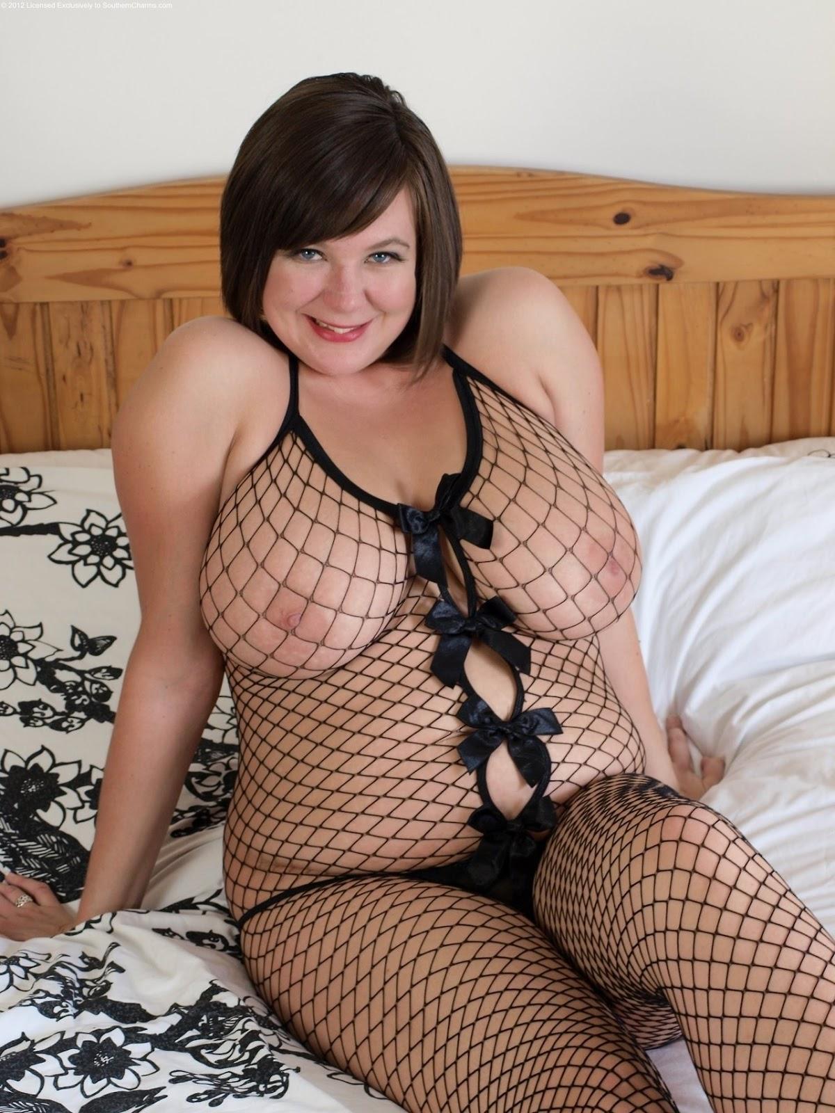 3 horny hotties share a big hard cock 10