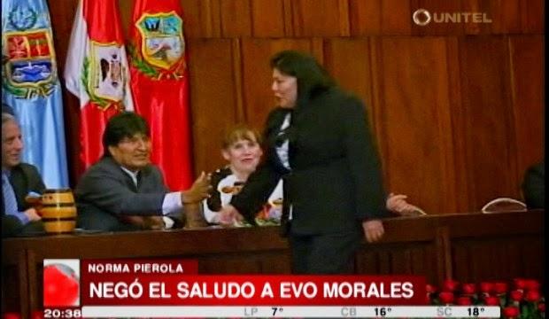 Diputada-Norma-Pierola-negó-el-saludo-a-Evo-Morales
