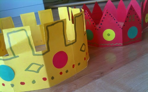 coroa cantar os reis Hacer_corona_papel