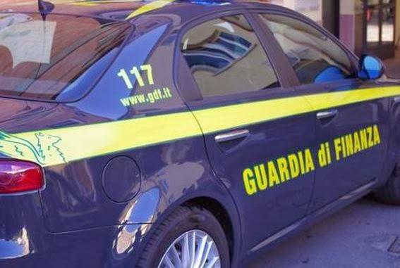 Catania, pretendeva mazzette: arrestato ex finanziere