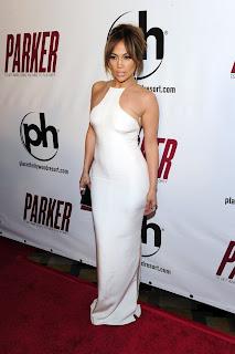 jennifer lopez sexy en apretado vestido blanco