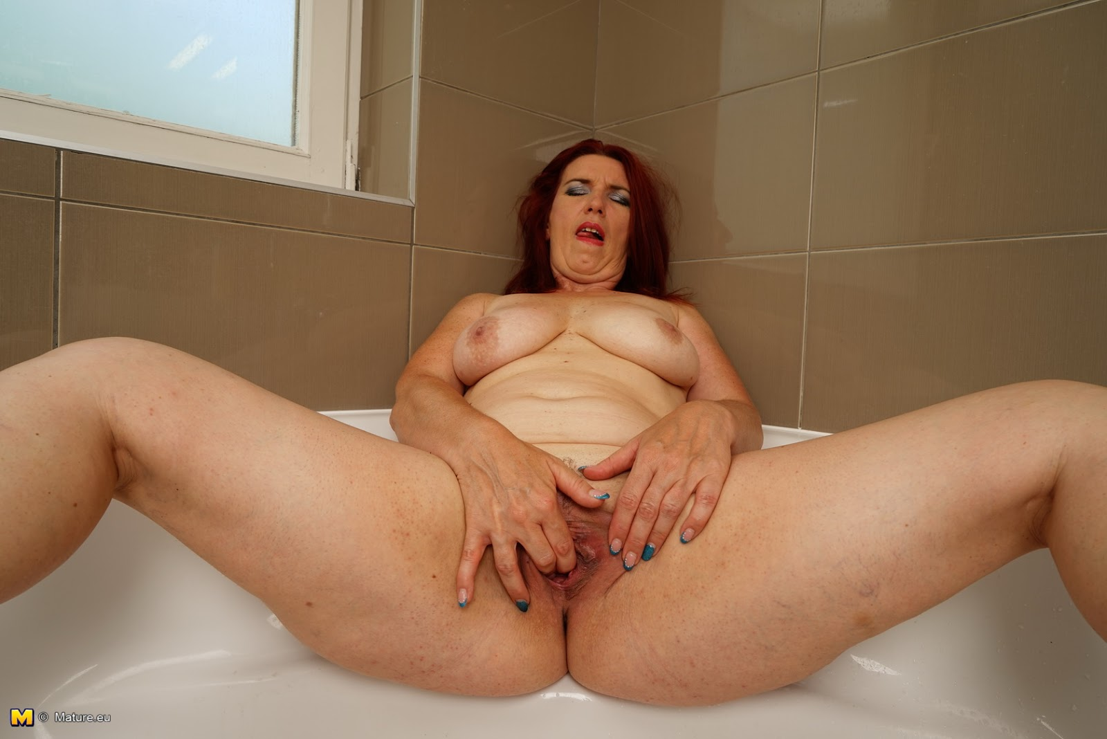 naked big mature women