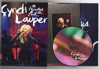 Cyndi_Lauper-To_Memphis_With_Love_Live-2011-C4