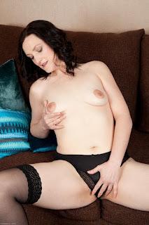 Nude Selfie - sexygirl-emi030NAT_280593060-779572.jpg