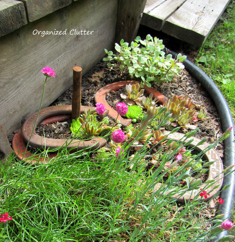 Horse Shoe Game in the Garden www.organizedclutterqueen.blogspot.com
