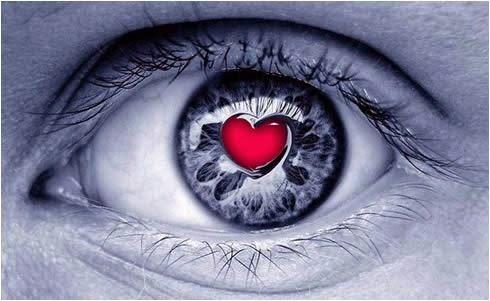 femme aux yeux d'amour