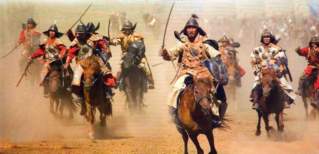 A Europa cristã estava ameaçada em todas suas fronteiras, e graves desordens grassavam em seu interior.  Os mongóis arrasavam a Europa Central e miravam o coração da Europa.